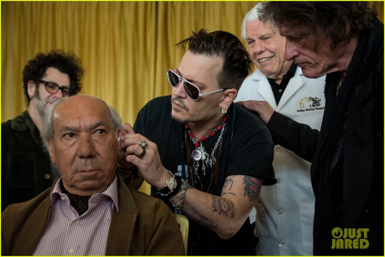 johnny-depp-steps-out-at-rock-in-rio-after-amber-heard-files-restraining-order-01.jpg