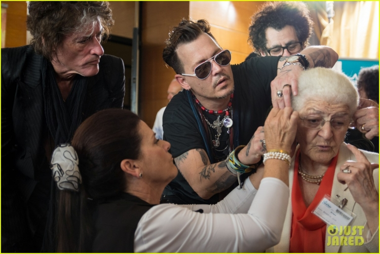 johnny-depp-steps-out-at-rock-in-rio-after-amber-heard-files-restraining-order-03.jpg