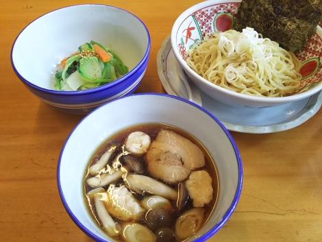 イカすり身の醤油つけ麺