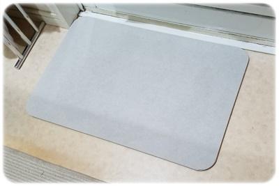 洗面所の珪藻土バスマット