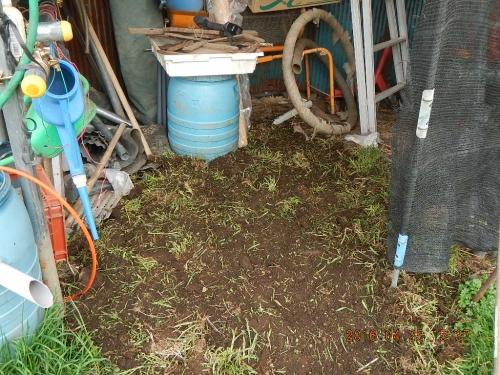 農機置き場の整地作業 (6)