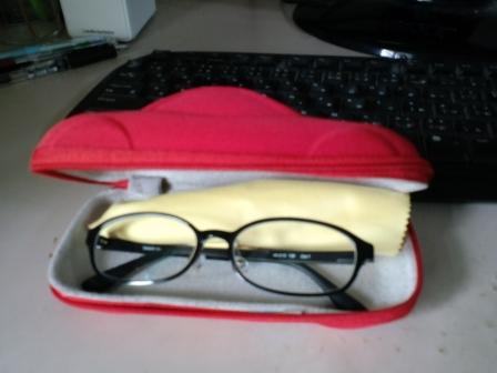 銀のメガネ