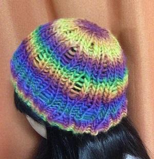 20161002 帽子 レインボードロップ ニットキャップ 着画