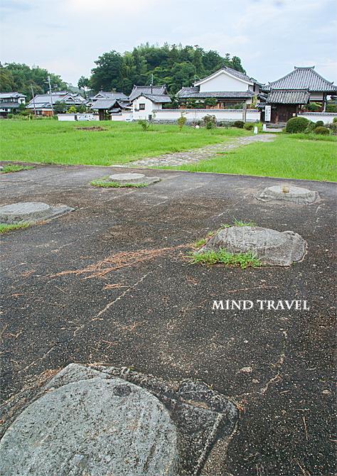 川原寺跡 と 弘福寺