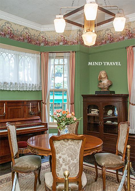 萌黄の館 ピアノのある部屋
