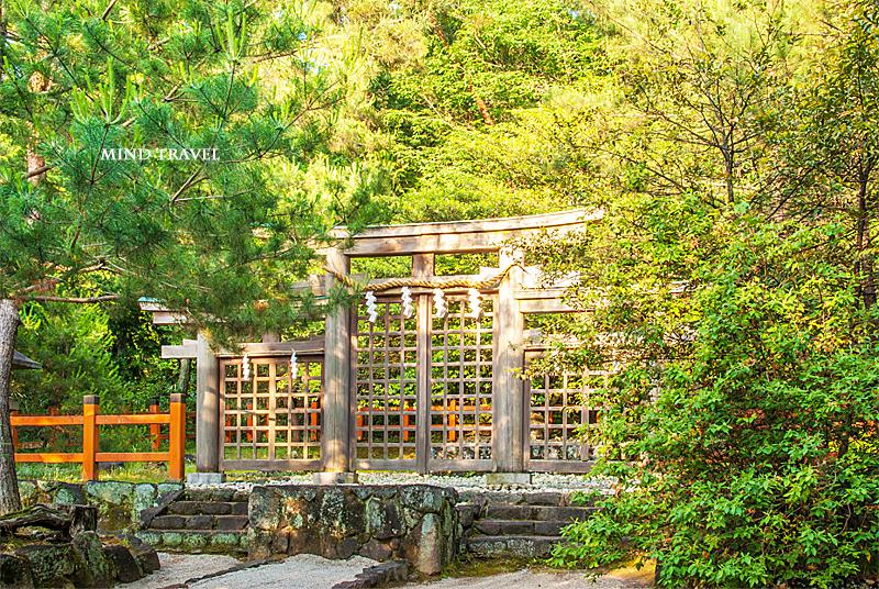 檜原神社 三つ鳥居
