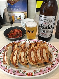 餃子の王将JR六甲道店、よく焼き餃子&瓶ビール&キムチ