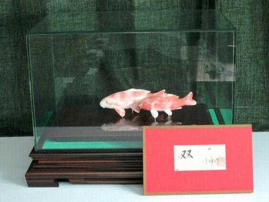 特大 桃珊瑚 鯉 置物 「双」 笹方秀峰作
