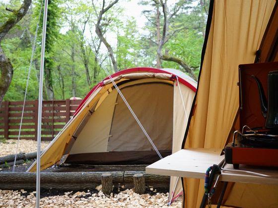 キャンプ8