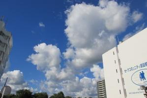 市役所の南側からの雲