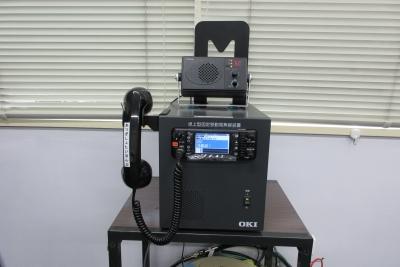 卓上型固定移動局無線装置