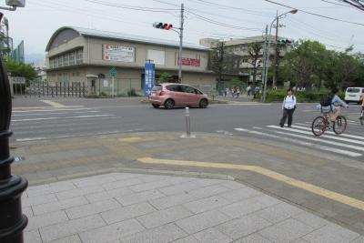 厚木中学校前の交差点
