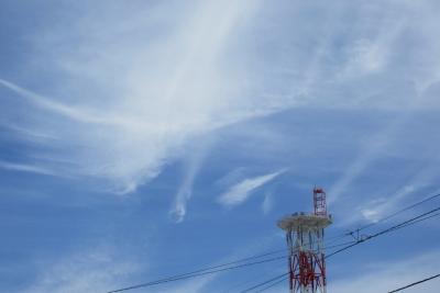 元町の空、夏の雲