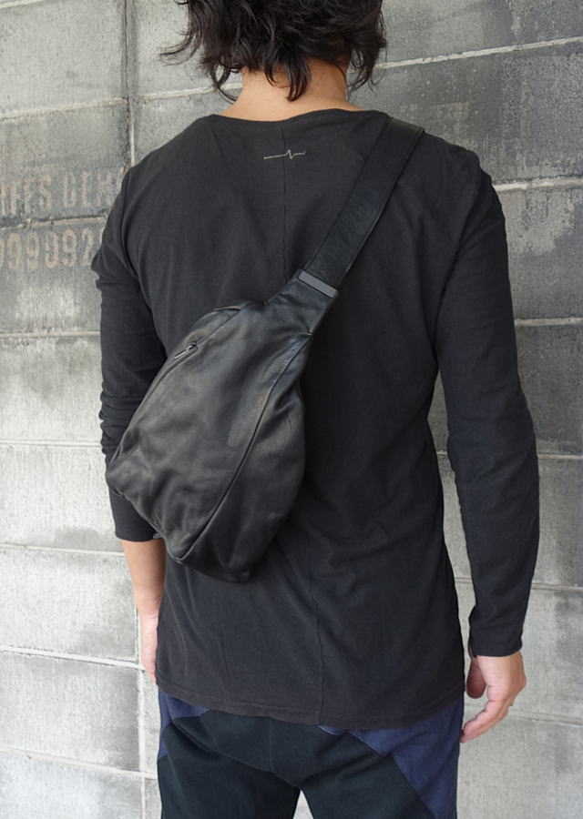 iolom-bodybag5.jpg
