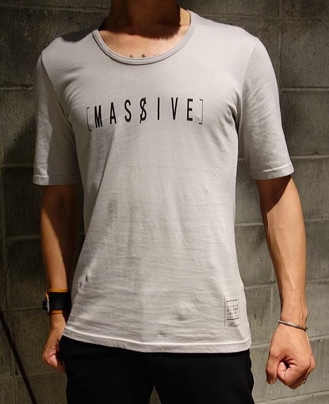 massive_GRAY8.jpg