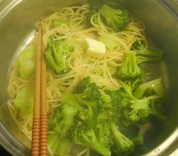 ブロッコリーとじゃことのりたまのスパゲッティー2