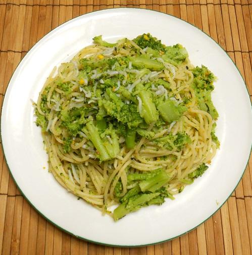 ブロッコリーとじゃことのりたまのスパゲッティー7
