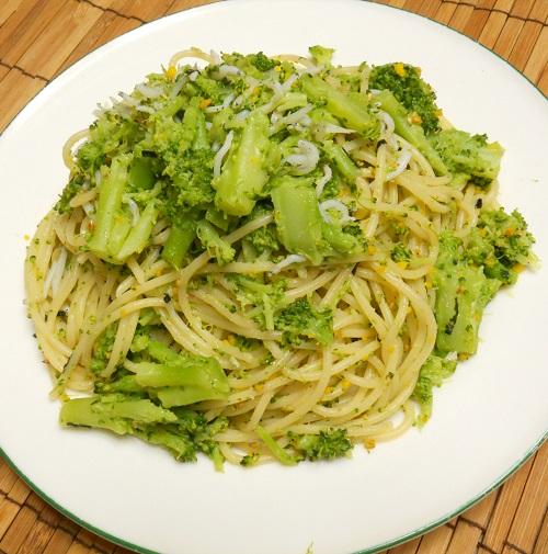 ブロッコリーとじゃことのりたまのスパゲッティー8