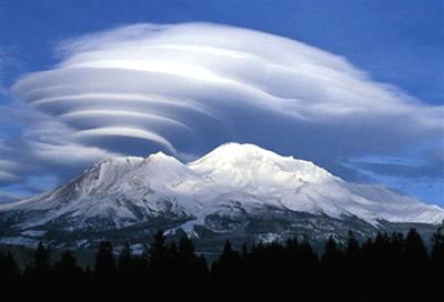 シャスタ・レンズ雲