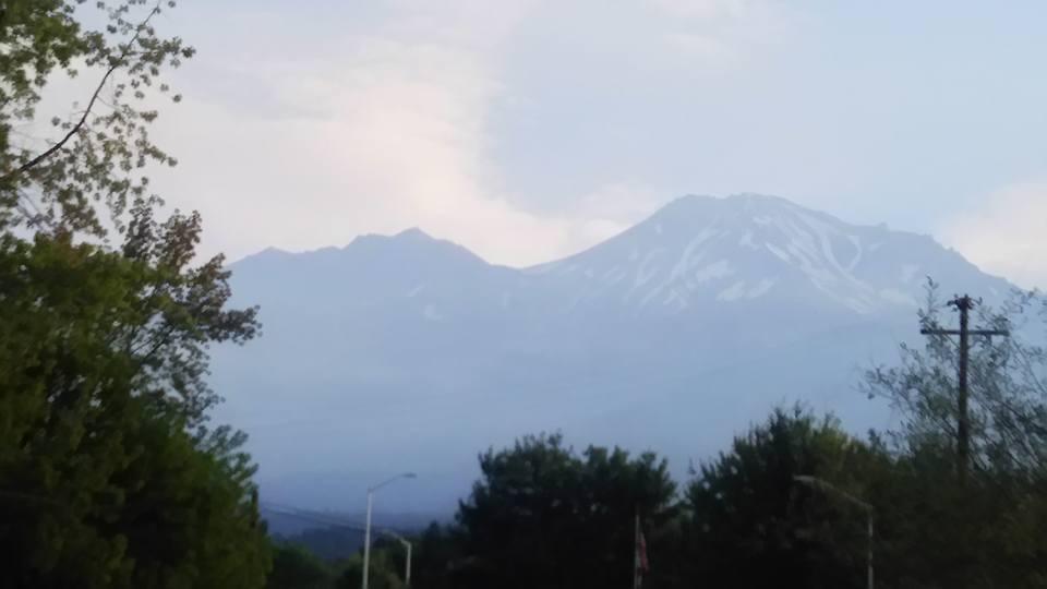 0902朝のシャスタ山