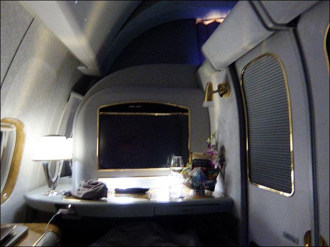 座席ドバイ→チューリッヒ16