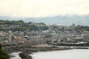 小田原の街へ吸い込まれて行きました