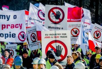 OECD問題歐洲鋼鐵業在比利時遊行抗議中國傾銷_convert_20160420155644