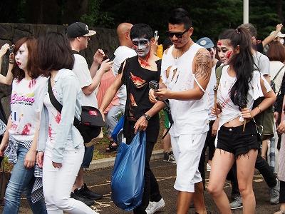 zombie-walking13.jpg