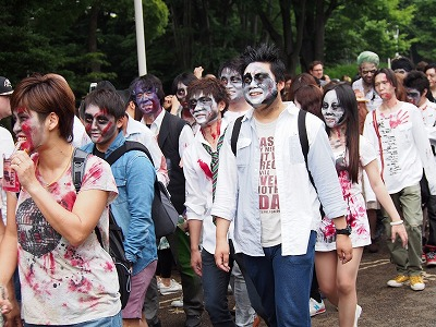 zombie-walking16.jpg