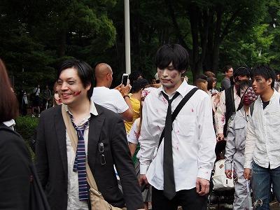 zombie-walking17.jpg