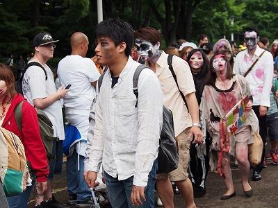 zombie-walking18.jpg