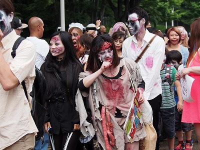 zombie-walking19.jpg