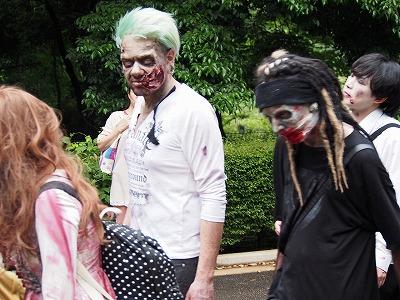 zombie-walking25.jpg