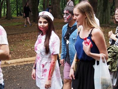 zombie-walking34.jpg