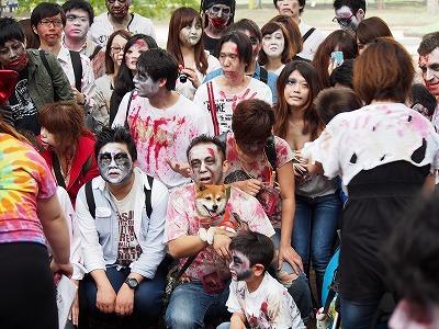 zombie-walking43.jpg