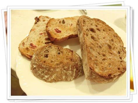 神戸屋のパン4