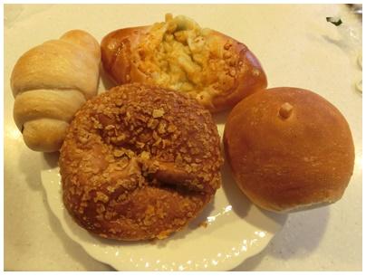 アゴラのカレーうどんパン1