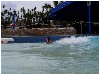 波のプール1