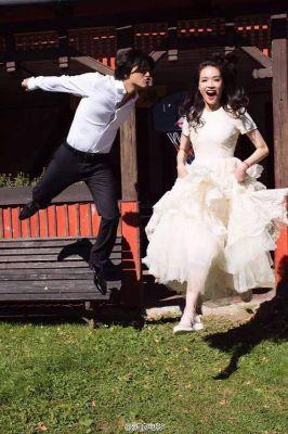 20160903舒淇和馮德倫結婚ジャンプ!_400