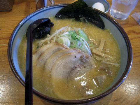 白樺山荘_味噌チャーシュー麺