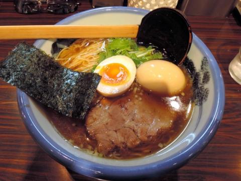 醤油らーめん(淡麗)+煮玉子