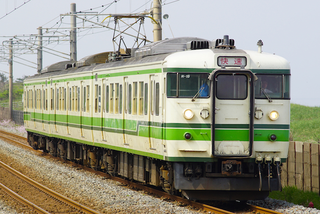 160502 JRE 115 Rapid Nigata-Green-kakizaki-2