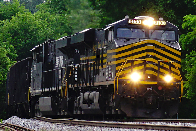 May1116 NorfolkSouthern8100NickelPlateRoad2