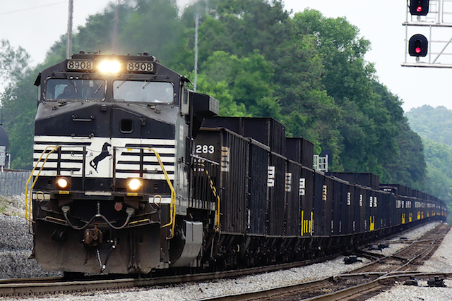 May2816 NS8908 coal train