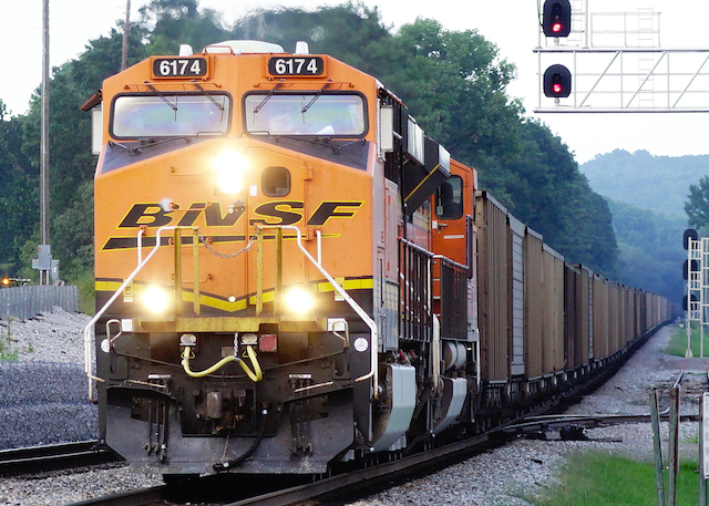 July2116 BNSF 6125 Irondale1