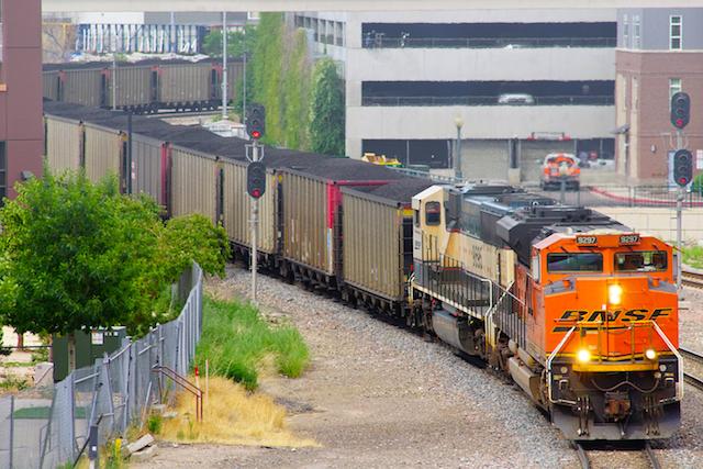 July2416 BNSF9279 WBNSF Denver