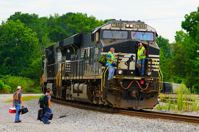 Aug0216 NS7656 Irondale Crew change1