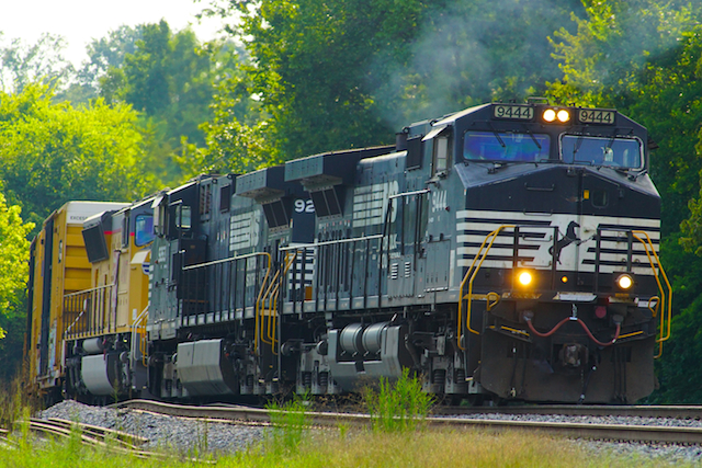 Aug2616 NS4449 Intermodal Irondale1