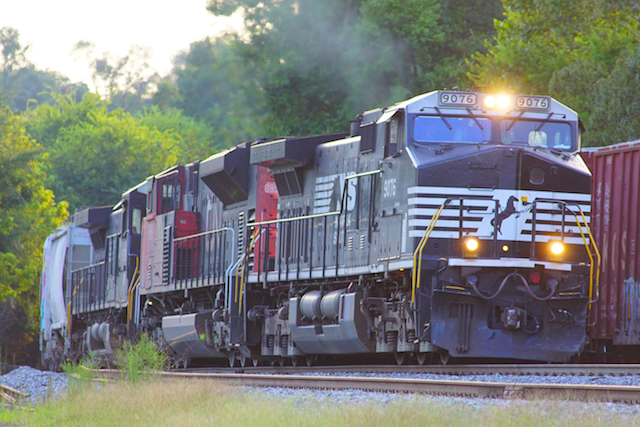 Aug2616 NS9076 CN Irondale1