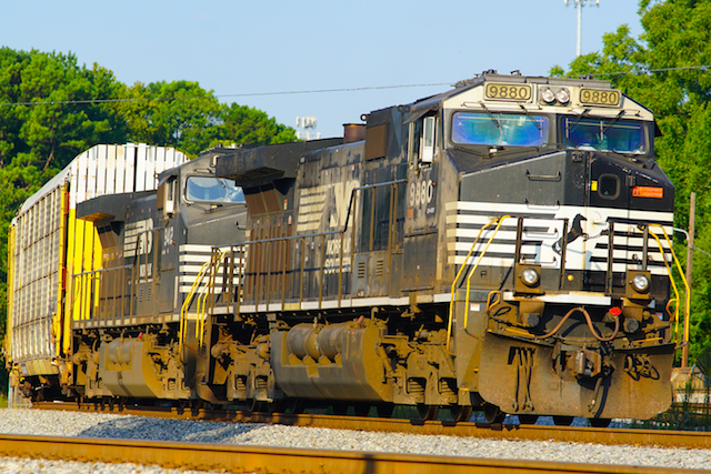 Sep0816 NS9880 CarCarry Irondale2